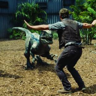 Jurassic World Sparks New Online Trend with Zookeepers