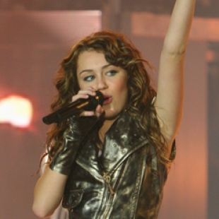 Hannah Montana - Miley Cyrus- Best of Both Worlds Concert