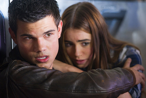 Still shot from the movie: Abduction.