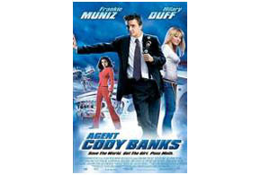 Still shot from the movie: Agent Cody Banks (2003).