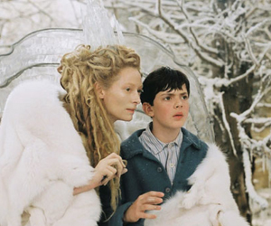 Still shot from the movie: The Chronicles of Narnia, the Lion, the Witch and the Wardrobe.