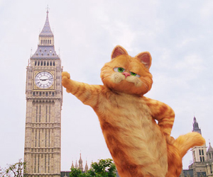 Still shot from the movie: Garfield: A Tail of Two Kitties.