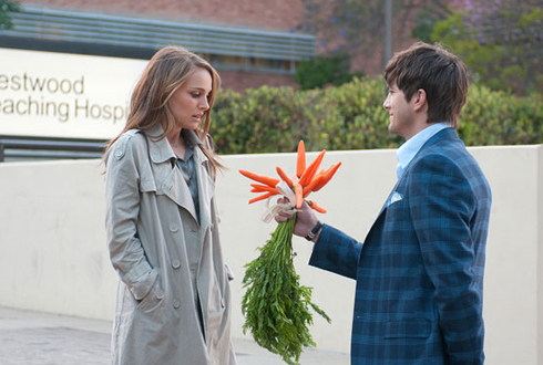 Still shot from the movie: No Strings Attached.